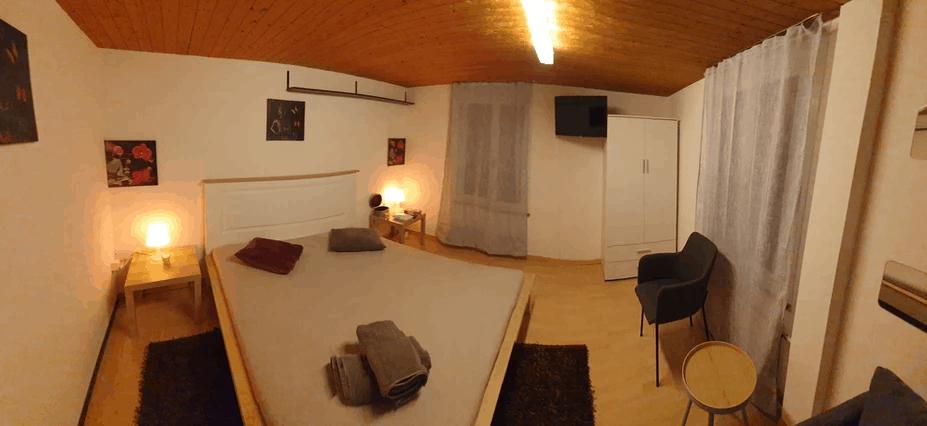 Holiday Studio